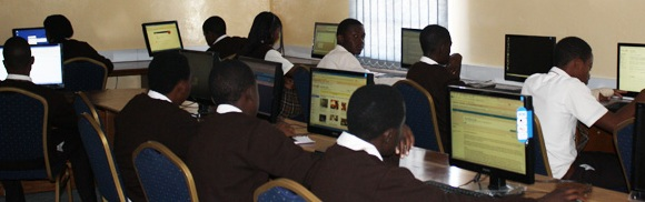 lusaka-west-school-boys-in-the-computer-room-1
